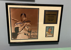 Mickey Mantle Signed Photo - 1952 Topps Pose See Photos