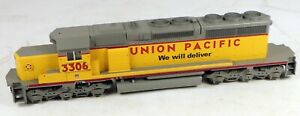 Athearn #4820 SD40-2 Powered Diesel Locomotive UP #3306 1/87 HO Scale