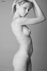 Viktoria 6963BW Artistic B&W Nude Hand-Signed 8.5x11Photo by Craig Morey