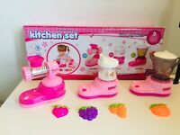 KITCHEN TOYS, JUCER,BLENDER,CANDY MAKER ,PINK CLOUR LIGHT AND SOUND