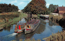 R243819 Britains Inland Waterways. A pair of narrow boats on the Grand Union Can