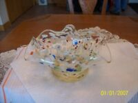 Confetti Handkerchief Style Design Beautiful Art Glass Vintage Bowl