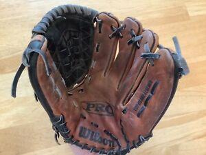 "Wilson Pro Flex BackBaseball-Glove- 11 1/2"" A1831 PRO 7 RHT Leather Aztec"