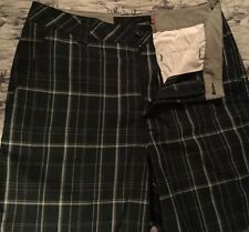 O'Neill Navy Plaid Short Size 33 NWOT