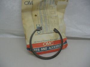 New NOS OMC Retaining Ring  313445      C23