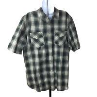 Pendleton Mens Shirt Size XL Gray Plaid Short Sleeve Button Down Shirt