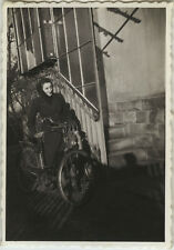 PHOTO ANCIENNE - VINTAGE SNAPSHOT - VÉLO BICYCLETTE OMBRE FEMME - BIKE BICYCLE
