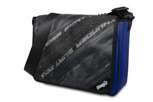 Schultertasche aus LKW-Plane, Fahrradschlauch und Reifen originell