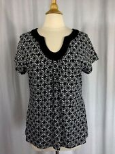 SIZE L - NEW $36.00 CROFT & BARROW Cap Sleeve Geometric Black & White Top Shirt