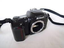 Nikon F601 Cámara 35mm SLR Película Solo Cuerpo