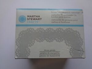 MARTHA STEWART - FRAME BORDER PUNCH CARTRIDGE - DAISY PETALS -