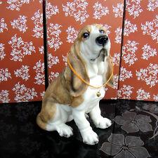 Hush Puppy Basset Hound puppy dog sat resin statue figure figurine *s   Us un38
