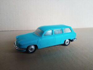 762I Vintage Norev Plastique No 4 Made in France Panhard 17 Break Turquoise 1:43