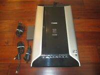 CANON CanoScan 8800F Flatbed Scanner TESTED WORKS W/ AC ADAPTER & USB CABLE