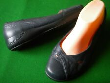 LADIES NEAR NEW  HOMY PED NAVY LEATHER FLAT HEEL SHOES SIZE 8
