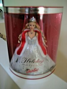 BEAUTIFUL 2001 SPECIAL EDITION HOLIDAY CELEBTRATION BARBIE DOLL -NEW IN THE BOX