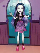 MONSTER HIGH poupée Spectra Vondergeist Ghoul Spirit, complète, comme neuve