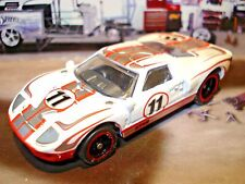 100% HOT WHEELS FORD GT-40 RACE CAR 1/64 SCALE LIMITED EDITION