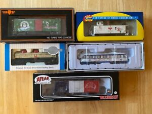 Lot of (5) NEW IN BOX - HO Christmas - Bicentennial Cars - CON-COR - Athearn - +