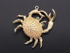 14k Yellow Gold Round Emerald Crab Claw Ocean Shore Lobster Summer Charm Pendant