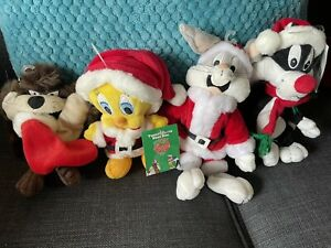 4X LOONEY TUNES CHRISTMAS PLUSHES