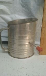 Vintage 5 cup sifter Bromwell's kitchen utensil