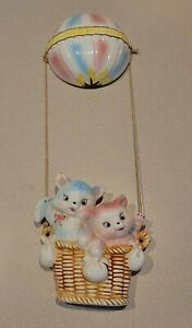 Vintage Lefton Hot Air Balloon Hanging Wall Plaque Anthropomorphic Cat Kittens