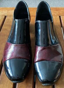 Ladies, Reiker, black and burgundy, patent leather, antistress, shoes Size 5.