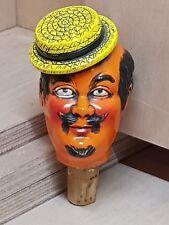 Ancien bouchon de bouteille terre cuite personnage J.P homme a chapeau de paille