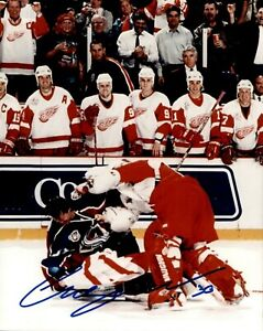 Chris Osgood Detroit Red Wings Fight Vs Patrick Roy 8x10 Photo #3