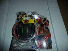 Bakugan Battle Suit Set con 2 tarjetas de capacidad