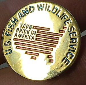 U.S. Fish and Wildlife Service Metal Round Gold W/Red Pin Pin-Back Rare EUC