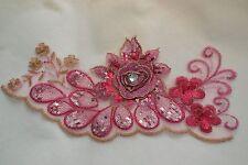 Un grande pezzo di rose rosa floreale PAILLETTES SU TULLE pizzo applique / motivo decorativo in pizzo