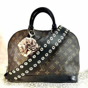 Michael Kors Black Flower Bag Charm KeyChain Floral GIFT Key Ring FlowerBall NWT