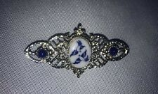 Unique Vintage Silver Tone Blue Willow Birds Center Stone Brooch / Pin