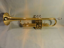 Yamaha YTR-2330 Gold Lacquer Bb Trumpet in Original Case.  Excellent Condition.