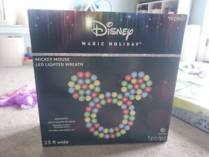 "CHRISTMAS DISNEY MAGIC HOLIDAY MICKEY MOUSE LED LIGHTED WREATH LARGE 30"" NEW 2.5"