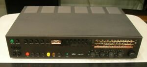 BRAUN REGIE 450 UN SINTO-AMPLIFICATORE  HI-FI STEREO PERFETTO  DA 30 Watt X 2