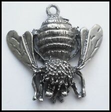 PEWTER CHARM #1039 BUMBLE BEE 1 bail (28mm x 28mm)