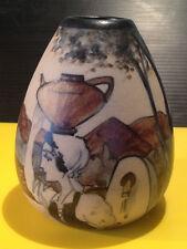 R LE CORRONE Ciboure Poterie Petit Vase Femme à l Fontaine décor tournant Basque