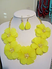Yellow Acrylic Flower Floral Clear Faceted Glass Bead Necklace earring Set