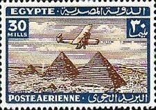 PHOTO MAGNET  Egypt  Aircraft Flying Over Pyramids 1933 issue 30 mills