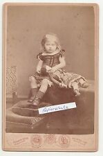 Kabinettfoto Hildegard von petersdorff como niño con muñeca 1880 Neuwied adel!