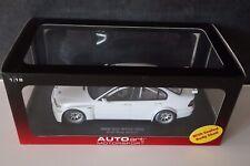 BMW 320I WTCC 2005 Plain Body AutoArt Auto Art 1/18