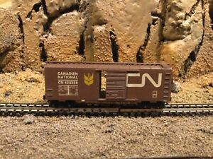 N scale Micro trains 40' single door boxcar CN CANADIAN NATIONAL