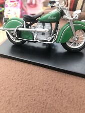 Maisto Model Green Indian Motorcyle With Plinth