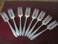 Wm A Rogers COUNTRY LANE 8 Salad Forks Oneida Ltd Silverplate Flatware  Lot C