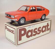 Schuco 1/43 VOLKSWAGEN VW PASSAT TS arancione in pubblicitari-BOX #2158