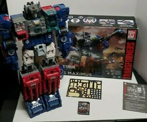 Transformers Generations Titans Return Titan Class Fortress Maximus with Box