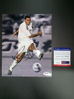 RONALDO LUIS NAZARIO DE LIMA SIGNED 8X10 PHOTO PSA/DNA COA Y61975